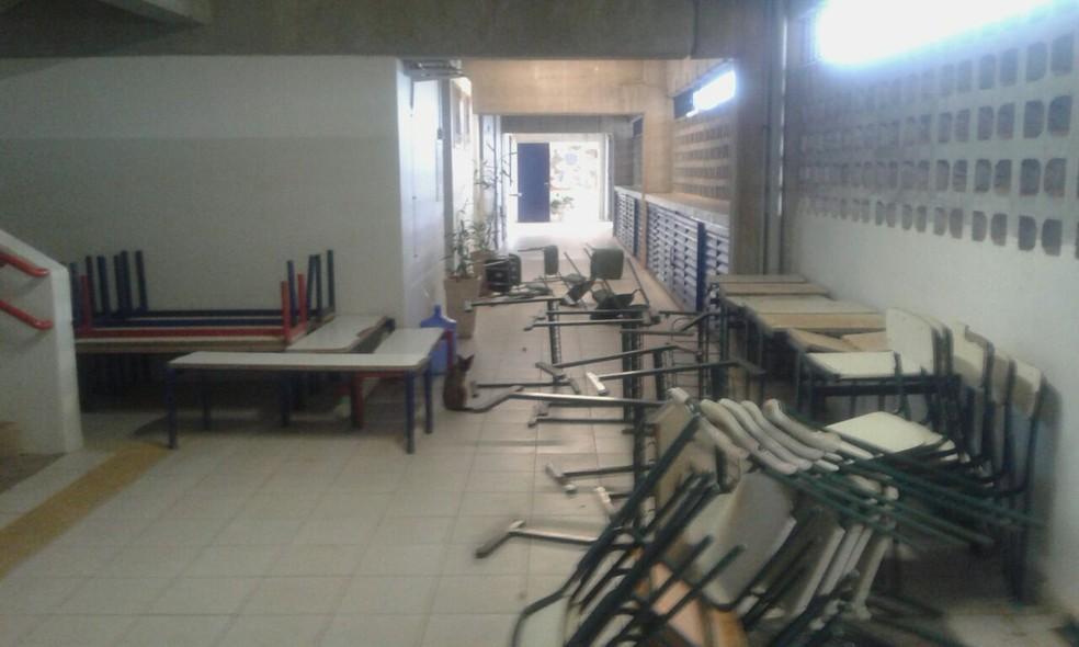 Escola de Birigui (SP) foi invadida por vândalos neste final de semana (Foto: Arquivo Pessoal)