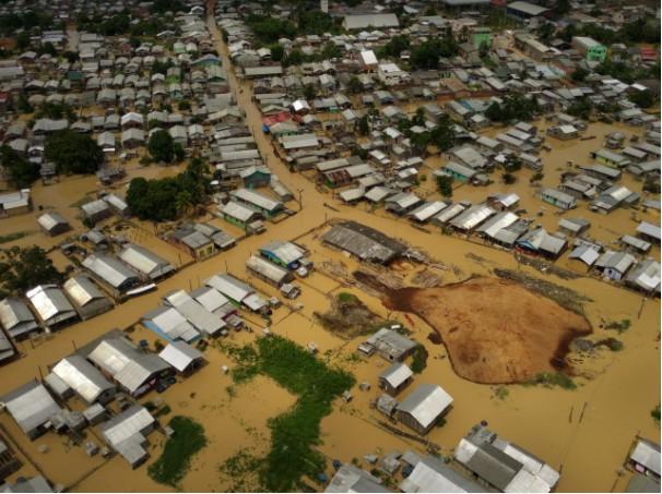 Quase cinco mil casas são atingidas pela cheia do rio em Tarauacá e deixa 68 pessoas desabrigadas