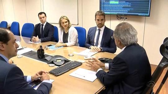Governo pode vender ações do Banrisul e da Corsan para aderir à recuperação fiscal, diz Leite