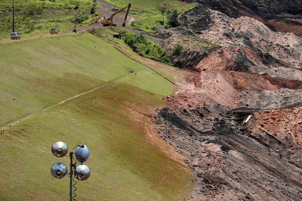 1º de fevereiro - Vista da lama que se espalhou após rompimento da barragem da Vale, em Brumadinho — Foto: Adriano Machado/Reuters