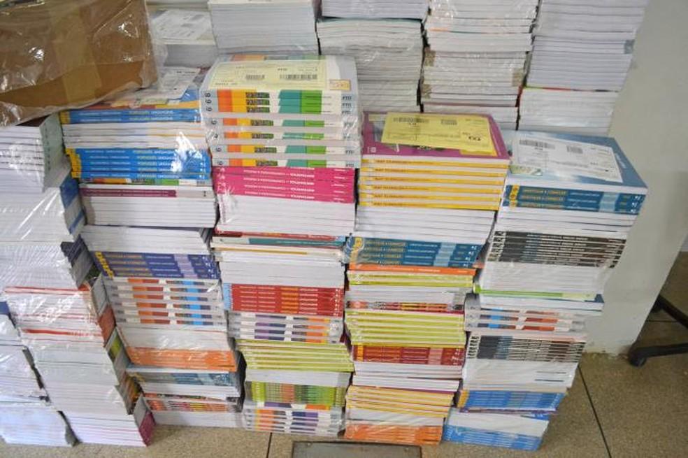 Compra de livro didáticos foi contestada pelo TCE-PB que julgou irregular contrato de R$ 4,4 milhões — Foto: Divulgação/TCE-PB