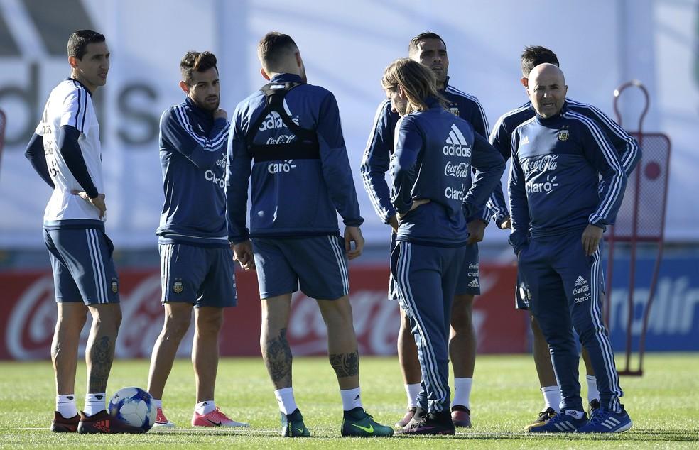 Testes, testes e mais testes: para jogo decisivo, Sampaoli muda o time outra vez (Foto: Juan Mabromata/AFP)