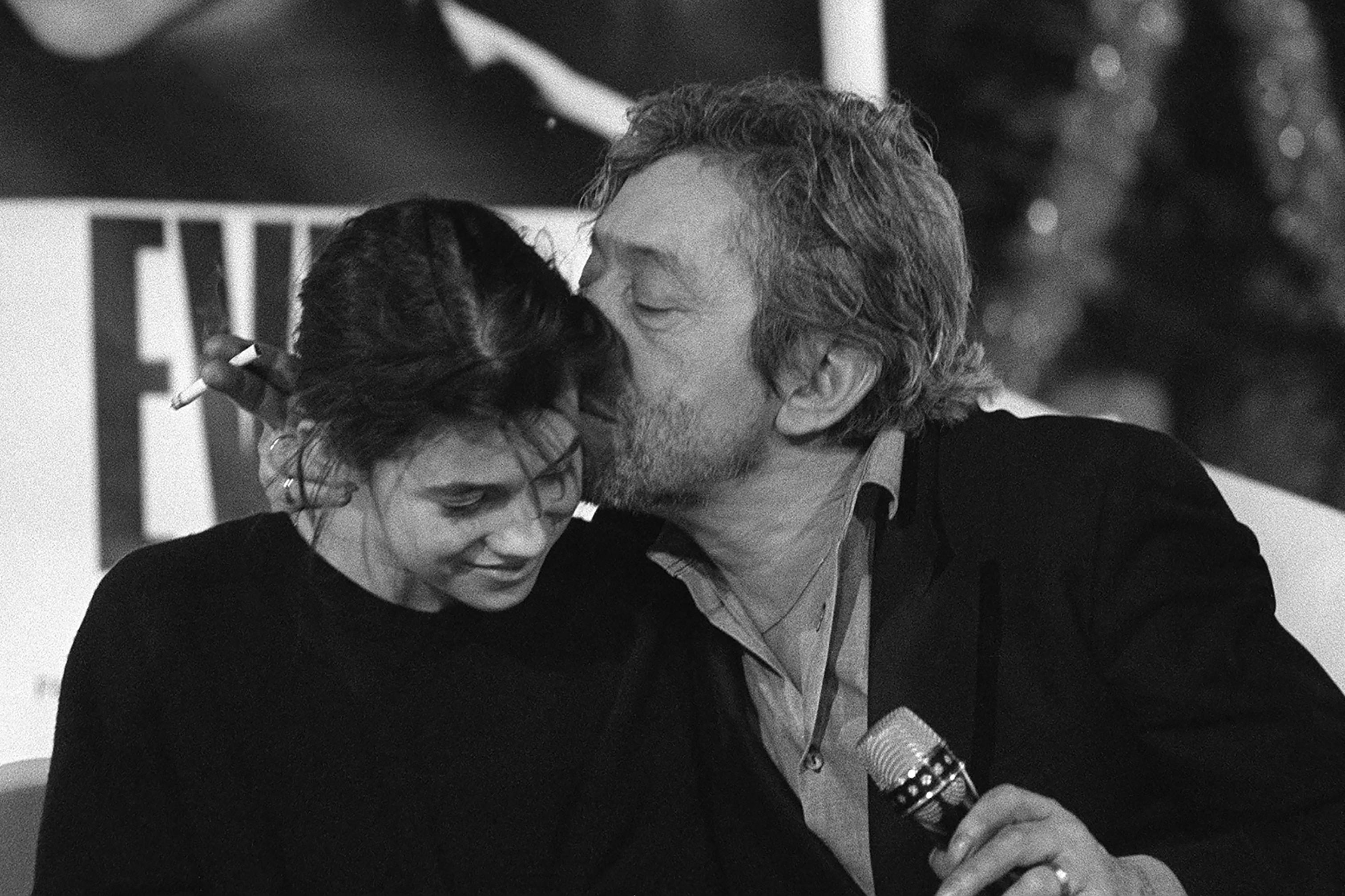 Para Charlotte Gainsbourg, seu pai não teria se encaixado na atual sociedade da censura
