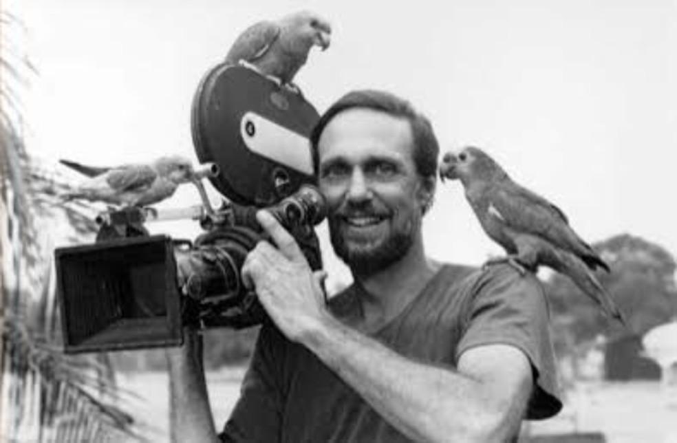 Jorge Bodanzky, na década de 1970, durante filmagens na Amazônia - tema que orientou toda a trajetória como cineasta — Foto: Divulgação