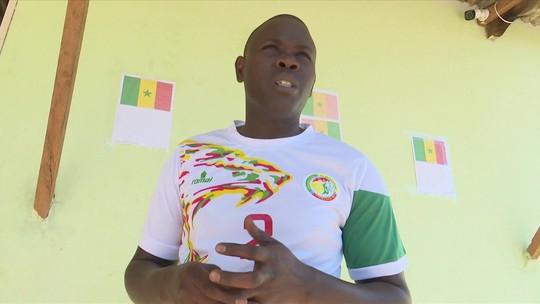 Refugiados senegaleses acompanham estreia de Senegal na Copa 2018 no Acre