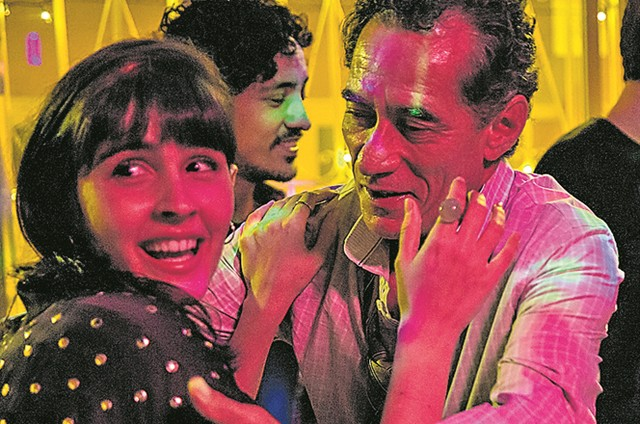 Chico Díaz e Valentina Herszage no filme 'Homem onça' (Foto: Divulgação)
