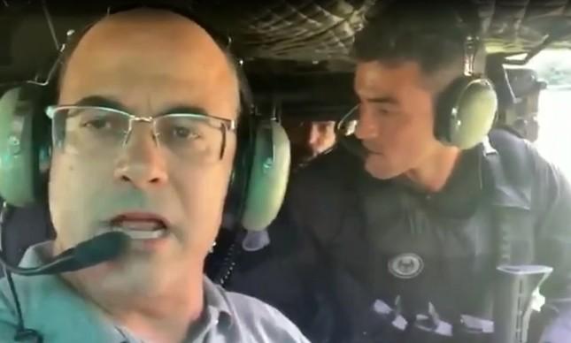 Wilson Witzel em helicóptero durante ação policial em Angra dos Reis