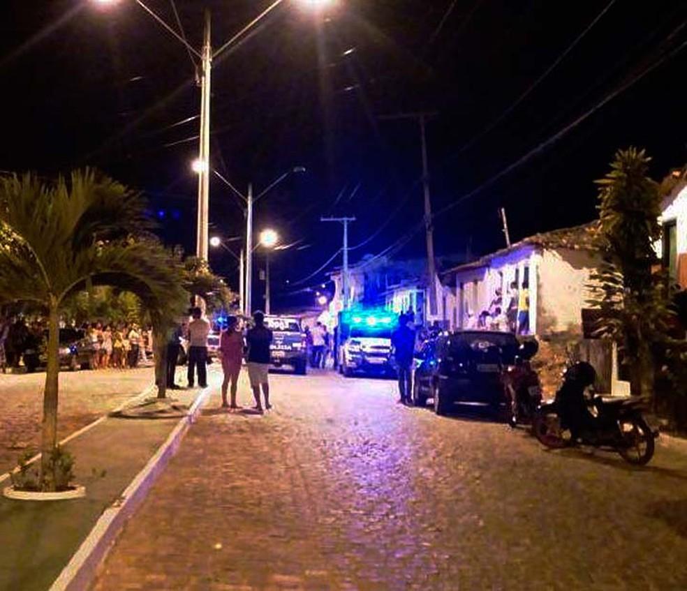 Rua onde ocorreu o crime em Lafaiete Coutinho, na Bahia — Foto: Blog Itiruçu Onlin