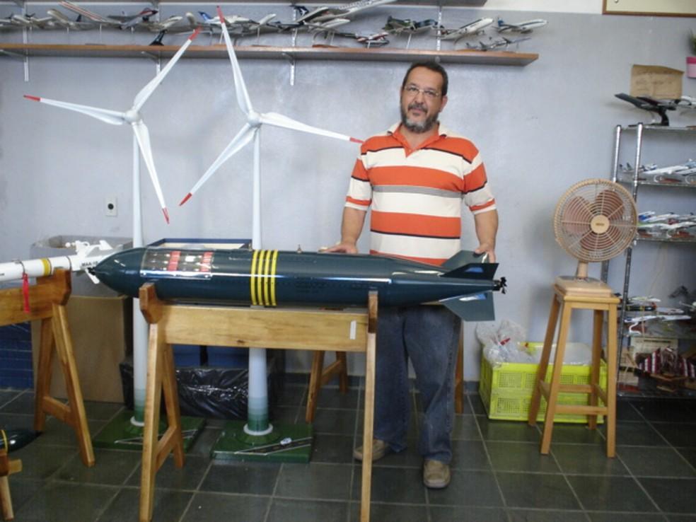 Davi Leite abriu fábrica de maquetes de aeronaves em Jacareí (Foto: Arquivo Pessoal)