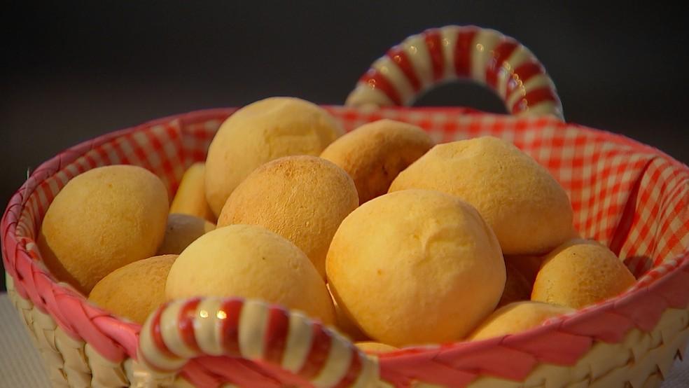 Preço do pão de queijo pode variar até 153% em Belo Horizonte.  — Foto: Reprodução/TV TEM