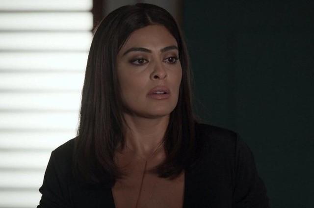 Juliana Paes é Carolina em 'Totalmente demais' (Foto: TV Globo)