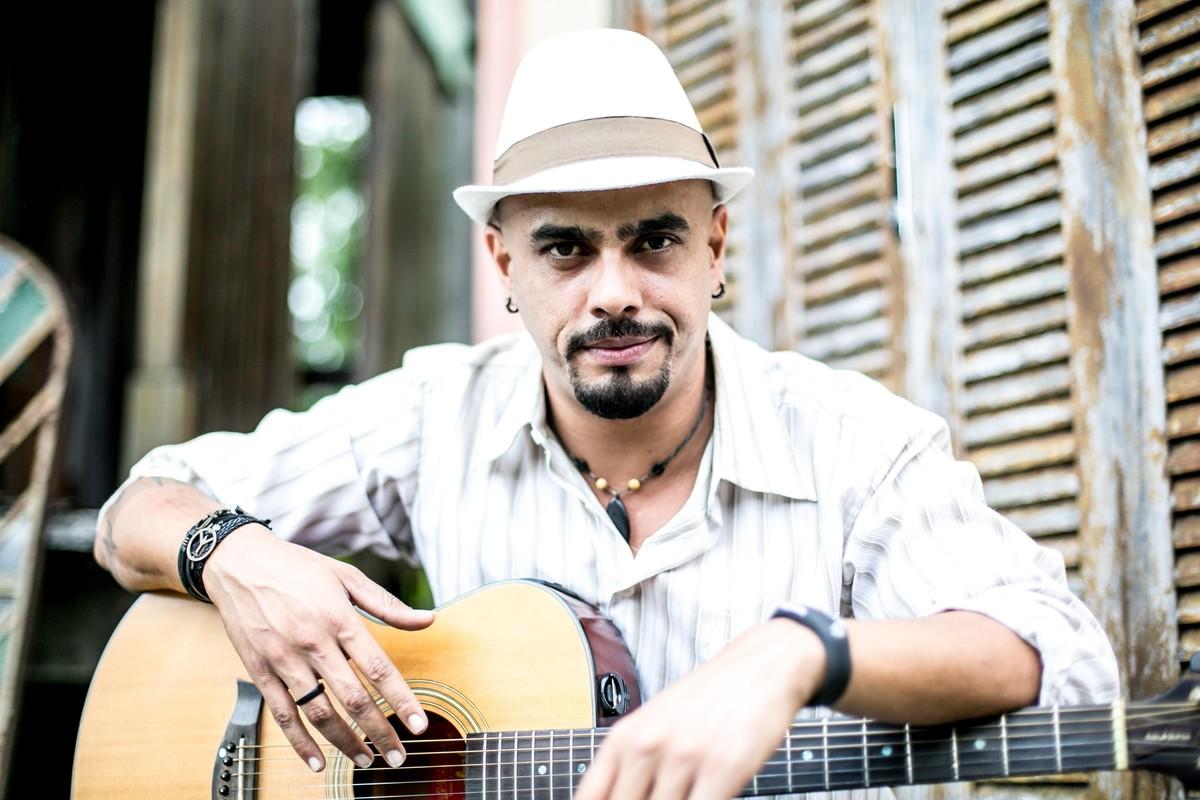 Músico João Rafael leva repertório eclético à Vila de Luis Carlos, em Guararema, no sábado