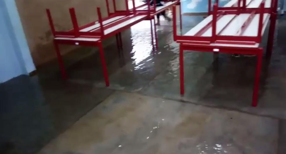 Creche ficou alagada por causa da chuva em Fernandópolis — Foto: Reprodução/TV TEM