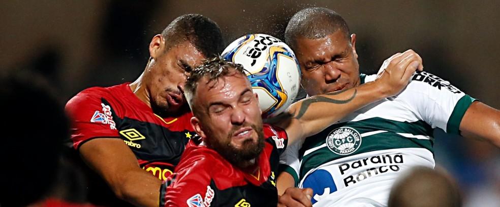 Sport tem 98% de chances de acesso — Foto: Albari Rosa/Gazeta do Povo
