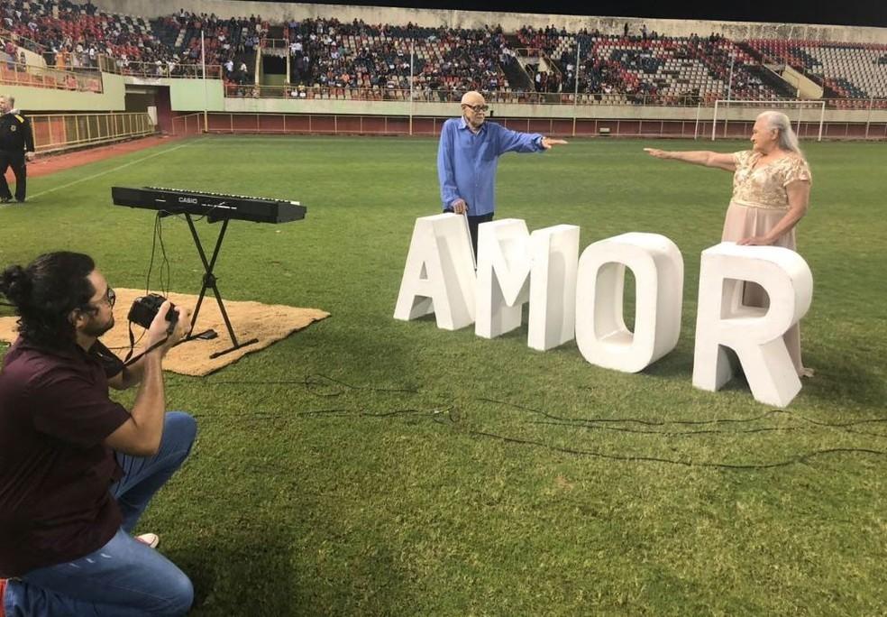 Casal de idoso oficializa união de mais de 60 anos durante casamento coletivo no AC neste ano  — Foto: Guilherme Barbosa/Rede Amazônica Acre