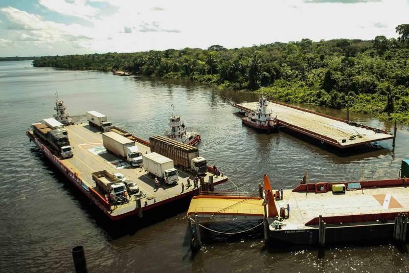 Travessia na área da ponte do rio Moju volta a operar com duas balsas  - Notícias - Plantão Diário