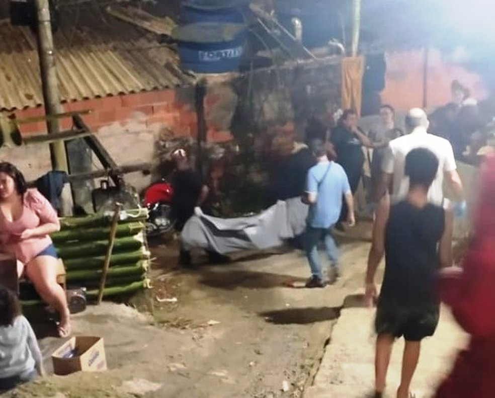 Caso ocorreu na Avenida Benedito Lemos, no Morro do Engenho, em Guarujá — Foto: Reprodução