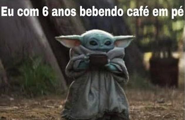 O personagem Baby Yoda se transformou numa febre nas redes sociais, com memes de todos os tipos (Foto: Reprodução/ Twitter)