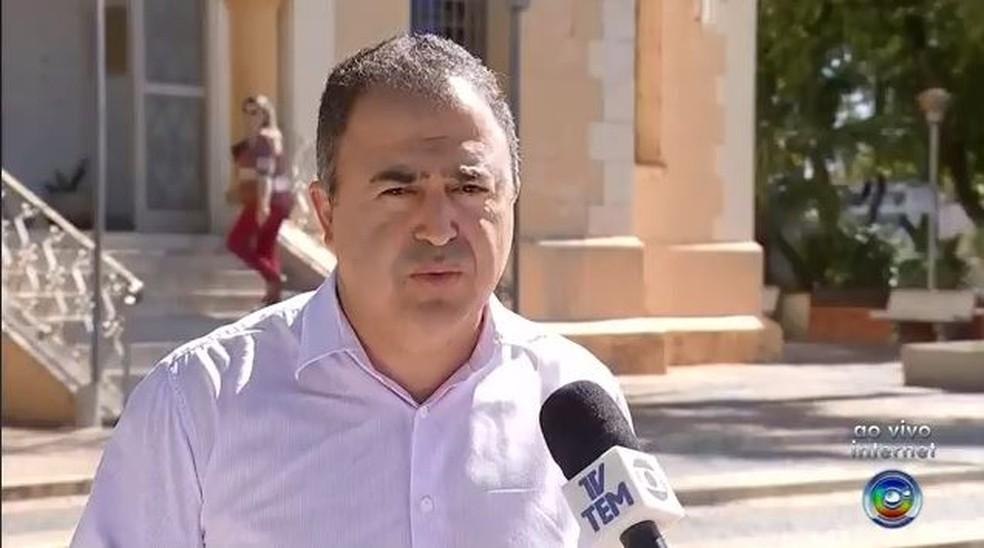 O prefeito Altair Francisco Silva (PRB) deve retornar ao cargo após decisão da Justiça  — Foto: TV TEM/Reprodução