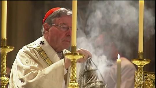 Polícia australiana acusa assessor do Papa Francisco de abuso sexual
