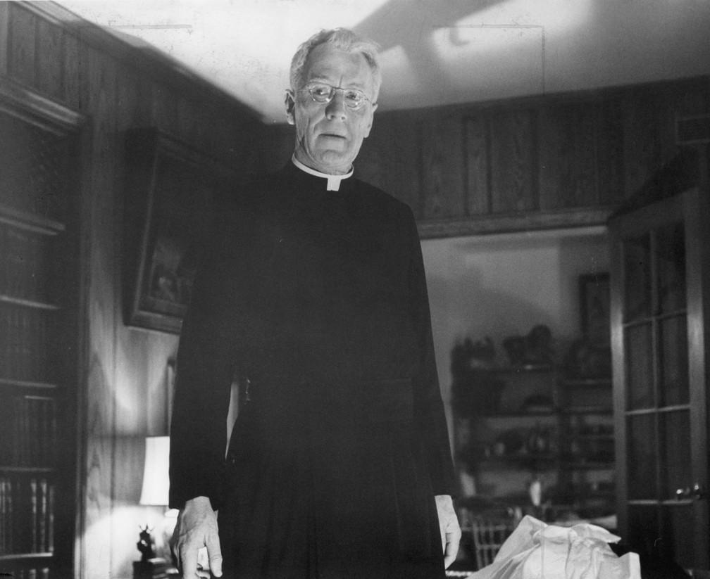 Max von Sydow, em 'O Exorcista', de 1973 — Foto: Warner Brothers/Divulgação