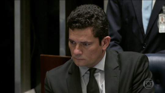 Site divulga novo diálogo atribuído a Moro em que ele diz ser questionável investigar FHC