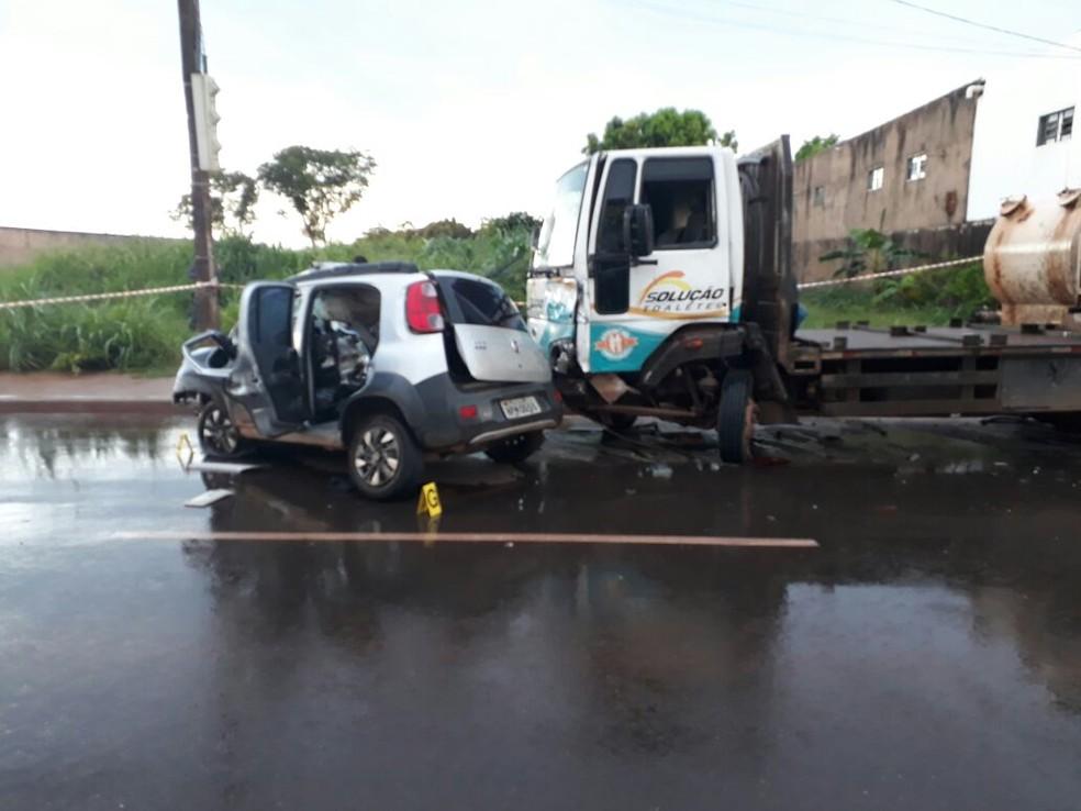 Acidente ocorreu na Avenida Filinto Müller, em Várzea Grande (Foto: PM/Divulgação)