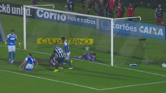 Três jogos, quatro gols: Elton desencanta e vira arma do Figueira para recuperação