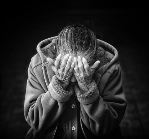 Alzheimer aumenta em 3 vezes os riscos de gravidade e morte por Covid-19