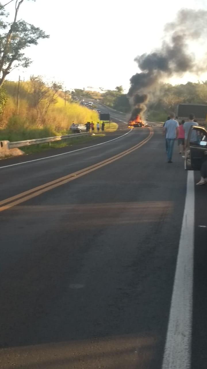 Motoristas morrem em batida frontal na rodovia que liga Jaú a Bocaina  - Notícias - Plantão Diário
