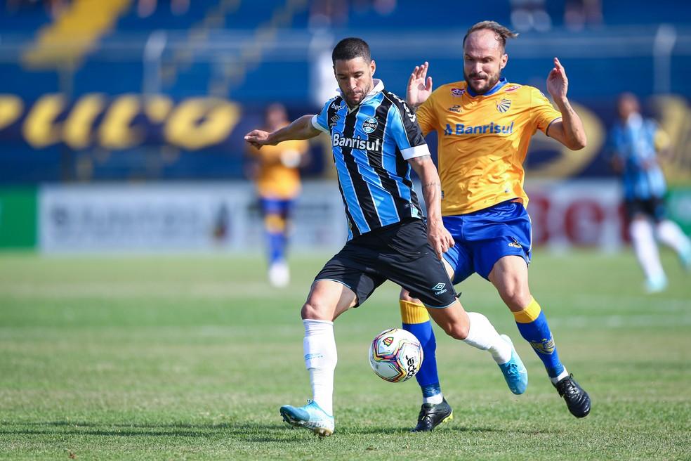 Thiago Neves ainda não correspondeu às expectativas — Foto: Lucas Uebel/DVG/Grêmio