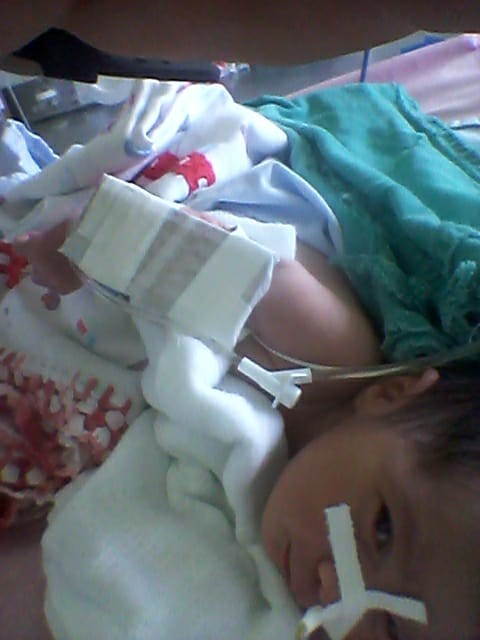 Recém-nascido com malformação no intestino passa por cirurgia e está na UTI em Rio Branco