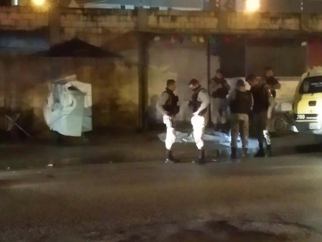 Jovem de 21 anos é baleado e morre em rua do Ouro Preto, Maceió