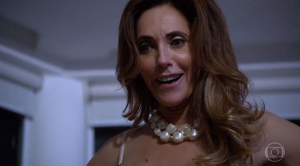 Tereza Cristina ameaça matar René e acaba humilhada pelo ex em 'Fina Estampa' — Foto: Globo