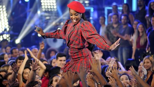 IZA canta 'Pesadão' no palco do 'SóTocaTop'; confira trecho exclusivo do programa!