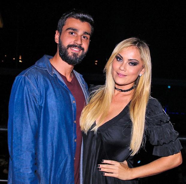 Ellen Rocche e Rogério Oliveira (Foto: Thiago Duran/AgNews )