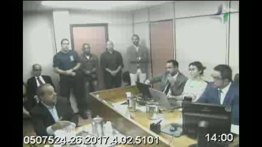 Cabral diz que Paes e Lindbergh Farias receberam caixa 2