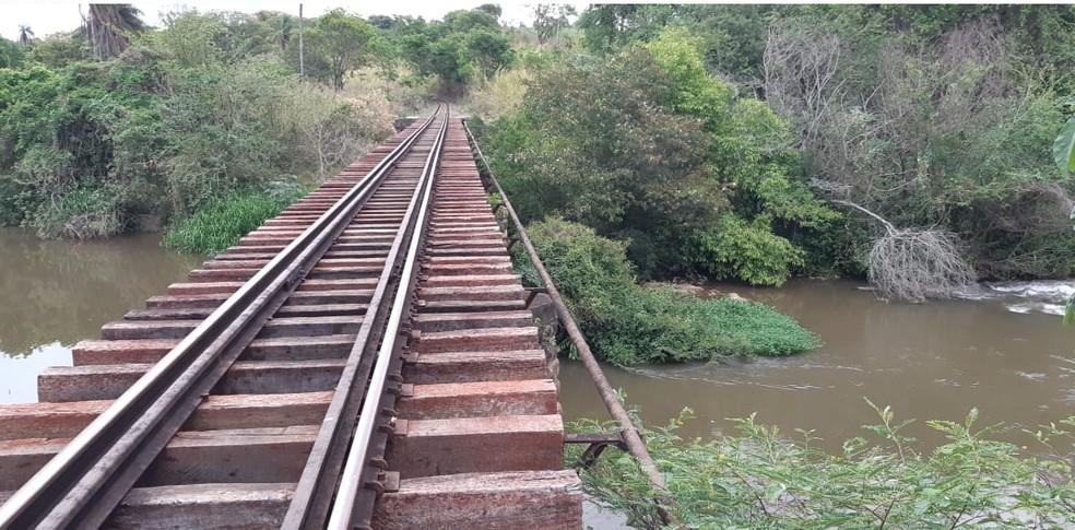 Ponte sobre o Rio Atibaia — Foto: Paulo Gonçalves/EPTV