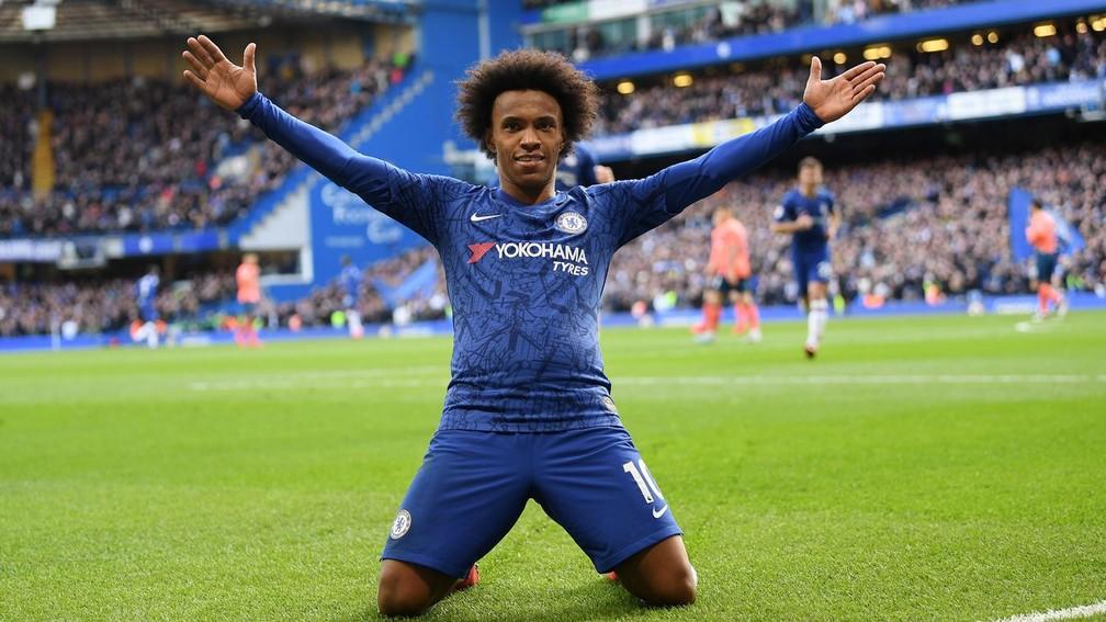 Chelsea de Willian ficou quatro anos seguidos em oitavo, mas perdeu posição pela boa temporada do Tottenham — Foto: Divulgação / Premier League