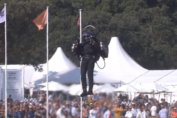 Um jetpack faz parte das apresentações de Goodwood (Foto: Divulgação)
