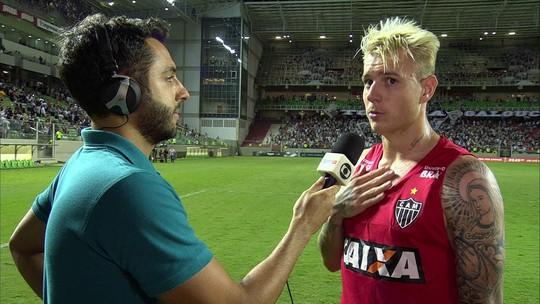 """Autor do gol da vitória, Roger Guedes valoriza liderança e artilharia: """"Momento bom"""""""