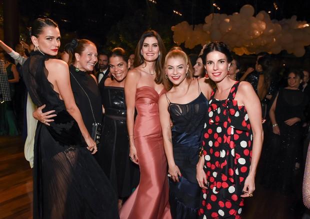 Fernanda Motta, Donata Meirelles, Daniela Falcão, Isabella Fiorentino e Renata Corrêa (Foto: Divulgação)