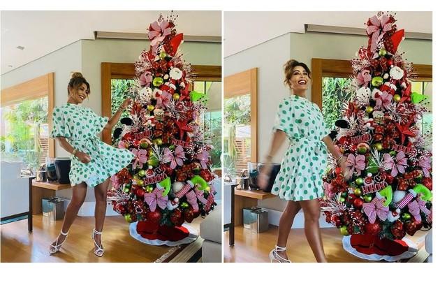 Árvore de Natal de Juliana Paes tem pelúcias com símbolos da data (Foto: Reprodução)