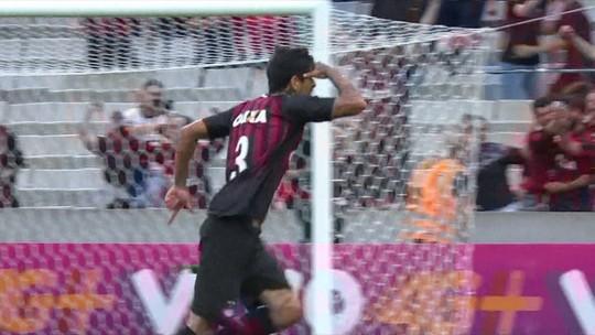 Robinho, duas vezes, Diego Alves e Ramon disputam melhores jogadas da rodada. Vote