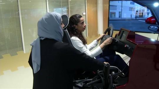 Mulheres se preparam para dirigir pela 1ª vez na Arábia Saudita