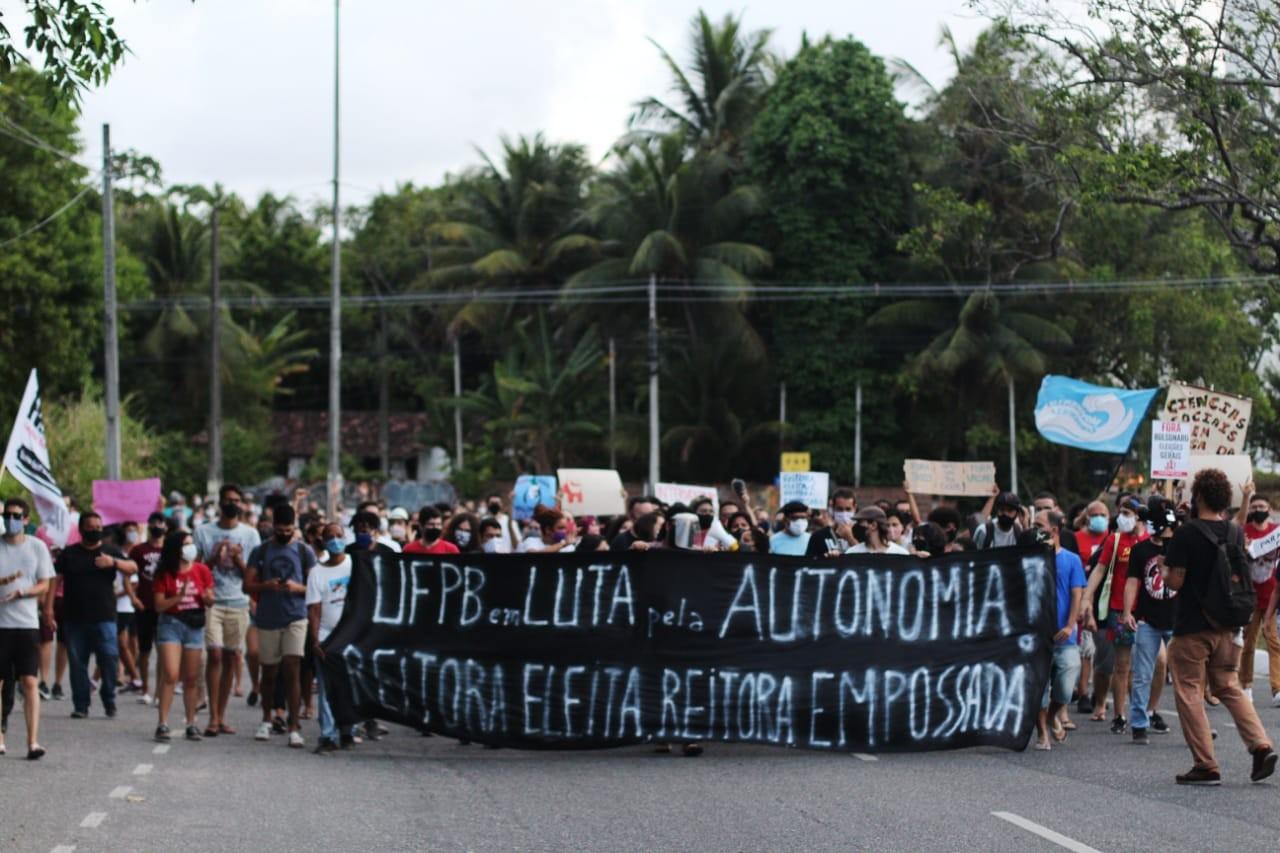 Ocupação em protesto contra nomeação de reitor da UFPB completa um mês