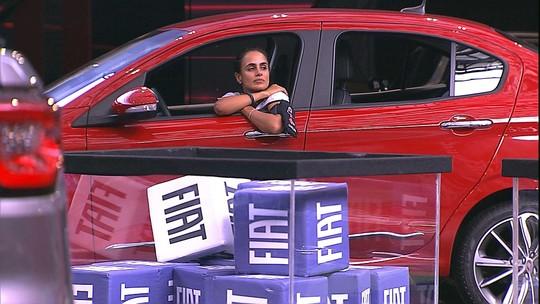 Carolina e Paula ficam preocupadas com troca de cubos na Prova de Resistência Cores Fiat