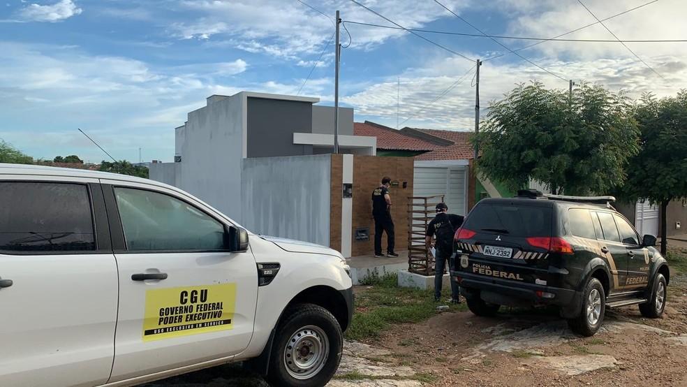 Operação Alquimia contou com agentes da Polícia Federal e da Contralodoria Geral da União — Foto: Divulgação/PRF-PB