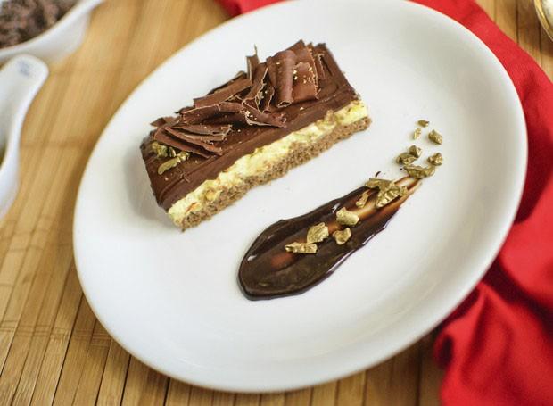 Receita: torta de chocolate com maracujá (Foto: Divulgação)