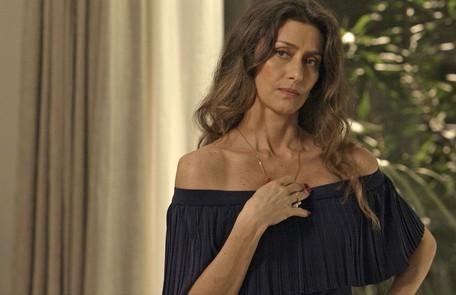 Maria Fernanda Cândido é Joyce, mulher sofisticada que não se conforma com o relacionamento do filho Ruy com Ritinha e nem com o comportamento da filha Ivana (Carol Duarte) Divulgação / Globo